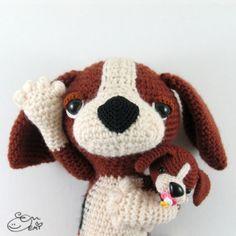 Miso the Beagle and her baby amigurumi pattern by Emi Kanesada (Enna Design)
