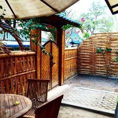 Our Deluxe bungalow seen from the inside #giliair #lombok #gilis #giliislands #indonesia #holidays #hotel #cottage #bungalow #overthesea #island #islandlife #instatravel #instagood #beautiful  #giliguide #thegiliguide #gililife #lombokisland #good #instagood #bamboo #bestofbali #lagazettedebali #bali #travel #discovernewplaces #sea #escape #enjoy
