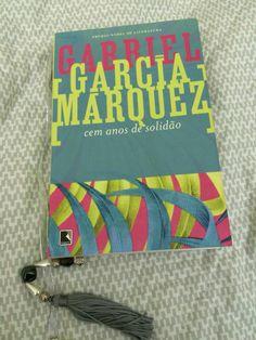 García Márquez dispensa comentários... apenas posso dizer que desperta em mim uma irrefreável necessidade de suspirar...