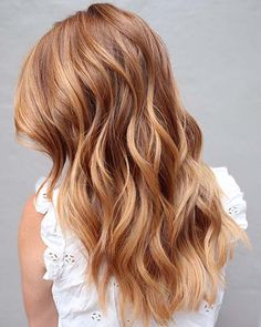 23 Most Beautiful Strawberry Blonde Hair Color Ideas haircolor hairstyles blonde. Brown Ombre Hair, Brown Blonde Hair, Ombre Hair Color, Hair Color Balayage, Brown Hair Colors, Light Brown Hair, Auburn Blonde Hair, Blonde Color, Red Hair