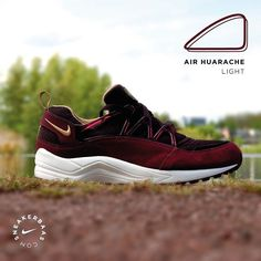 best service 3ee2b 709c6 nike nikeair burgundy huarachelight swoosh sneakerbaas baasbovenbaas Nike  Air