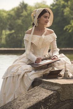 7 Royal Fashion Secrets Hidden in the New Season of Victoria is part of Vintage fashion Full Skirts - Costume designer Rosalind Ebbutt breaks down the regal fashion in Season 2 Old Dresses, Vintage Dresses, Vintage Outfits, Historical Costume, Historical Clothing, Historical Dress, Historical Fiction, Historical Photos, Poses