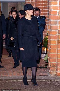 2 December 2018 - Swedish Royals attend the funeral of Count Oscar 'Oscis' Bernadotte af Wisborg in Uppsala Princess Victoria Of Sweden, Princess Estelle, Crown Princess Victoria, Funeral Dress, Swedish Royalty, Queen Silvia, Lady, Uppsala, Royal Families