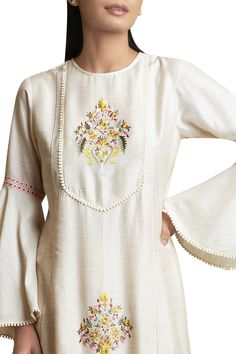 Best 12 Buy Kurta & draped pants with Flared Sleeves by Sue Mue at Aza Fashions Embroidery On Clothes, Embroidered Clothes, Embroidery Fashion, Embroidery Dress, Dress Neck Designs, Designs For Dresses, Blouse Designs, Neckline Designs, Khadi Kurta