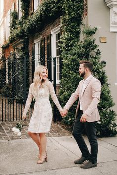 A few weeks ago, Cameron and I went on the most magical trip to Charleston, South Carolina. It was the perfect little getaway and we had the BEST time exploring the charming city together. Popular Outfits, Latest Outfits, Fashion Outfits, Summer Wedding Outfits, Summer Weddings, Wedding Guest Looks, Instagram Outfits, Couple Photography, Engagement Photography