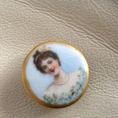 Vtg Antique Button Victorian Hand Painted Lady Porcelain Gold Edge Gorgeous
