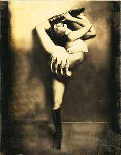 Your place to buy and sell all things handmade Dark Circus, Circus Art, Vintage Circus Performers, Vintage Circus Costume, Royal Ballet, Alvin Ailey, Ballet Vintage, Vintage Cowgirl, Clown Cirque