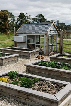 Provincial Style Garden — Kathleen Murphy Landscape Design To be able to have a great Modern Garden Decoration, it is … Garden Cottage, Garden Beds, Garden Sink, Garden Farm, Garden Planter Boxes, Planter Ideas, Farm Gardens, Design Jardin, Potager Garden