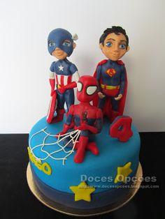 Doces Opções: Bolo de aniversário Super Heróis