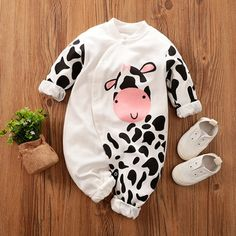 Animal Cotton One-piece Baby Girl Cartoon Baby Girl, lambkingo Baby Boy Clothes Online, Baby Clothes Patterns, Baby Outfits Newborn, Baby Boy Outfits, Kids Outfits, Cow Baby Showers, Baby Girl Letters, Baby Cartoon, Matching Family Outfits