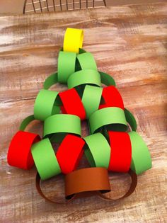 green, 5 red, 3 brown, one yellow Paper chains Christmas tree decoration Paper Christmas Decorations, Hanging Christmas Tree, Christmas Crafts For Kids, Christmas Activities, All Things Christmas, Kids Christmas, Holiday Crafts, Xmas Tree, Christmas Ring