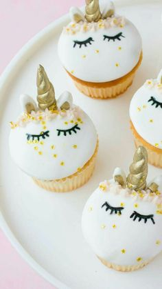 . Unicorn Cupcakes, Fun Cupcakes, Cupcake Cakes, Unicorn Party, Unicorn Cookies, Simple Cupcakes, Fondant Cupcakes, Birthday Cupcakes, Making Cupcakes