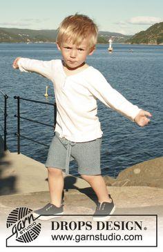 Bay Shorts / DROPS Children 28-5 - Von oben nach unten gestrickte Shorts im großen Perlmuster in DROPS BabyAlpaca Silk. Größe 0 - 6 Jahre.