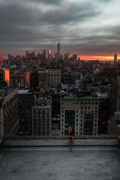 Emily & Manhattan #skyline by @mamudsny