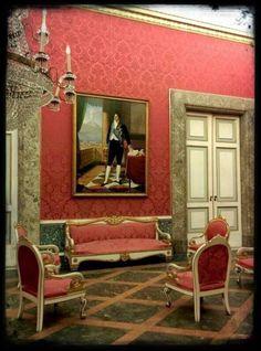 Seta alla Reggia di Caserta http://passioniandcuriosita.blogspot.it/2014/11/curiosandoin-san-leucio.html