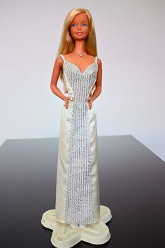 1976 Super Size Barbie - I LOVED this Barbie! I can't decide whether to sell her or not.