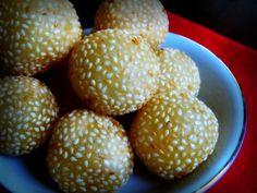 Kue Onde Onde, this onde onde, indonesian tradisional food so nice...
