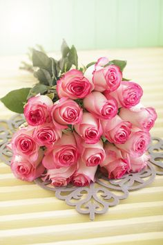 Pink Roses Hand Bouquet perfect for mothersday say it on her special day with these beautiful roses Book your order now Visit our website in bio: Explore all our special floral, cakes and chocolates arrangements for all occasions. Beautiful Rose Flowers, Beautiful Flower Arrangements, Amazing Flowers, My Flower, Pink Flowers, Floral Arrangements, Beautiful Flowers, Orquideas Cymbidium, Good Morning Flowers