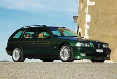 E30 Touring in green by Alpine