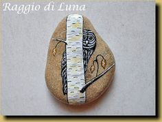 Galet peint by Raggio di Luna owl and birch tree