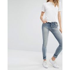 Lee Scarlett Super Skinny Jeans ($121) ❤ liked on Polyvore featuring jeans, blue, low rise jeans, light wash skinny jeans, skinny fit jeans, flap-pocket jeans and blue jeans