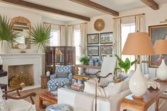 Home Tour: Jenny Keenan's Southern Island Charmer — Scout & Nimble Home Living Room, Living Spaces, Family Room Design, Family Rooms, Farm Family, British Colonial, House Tours, Interior Design, Design Design