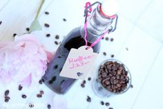http://rezeptemitherz.blogspot.de/2016/06/kaffee-likor.html