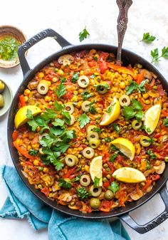 Vegetarian Paella made in less than one hour with simple ingredients. This recipe brings all the flavor and comfort of the classic Spanish rice dish to your own kitchen. Vegetarian Paella, Vegetarian Recipes, Healthy Recipes, Rice Recipes, Side Dish Recipes, Easy Dinner Recipes, Easy Meals, Vegan Recipes, Vegan