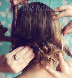Une jolie coiffure enroulée par The Paper Mama