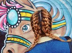A trança de boxeadora é a nova tendência de penteados 2016! Esta trança também chamada de Boxer Braids é muito usada por lutadoras de boxe. Veja como fazer!