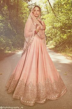 33 Pakistani Bridal Lehenga Designs to Try in Wedding - LooksGud. Pakistani Bridal Lehenga, Red Lehenga, Pakistani Dresses, Indian Dresses, Lehenga Choli, Anarkali, Sabyasachi Gown, Walima, Sharara