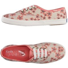 Keds Low-tops & Trainers (63 AUD) ❤ liked on Polyvore featuring shoes, sneakers, salmon pink, floral print flat shoes, floral flat shoes, keds sneakers, floral shoes and flower print sneakers
