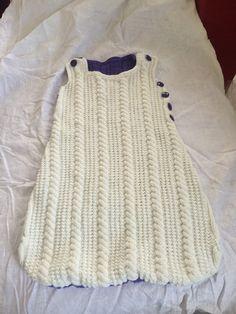 Turbulette blanche et violette tricotée main : Mode Bébé par bleu-blanc-rose