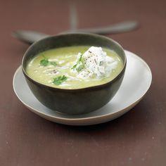 Découvrez la recette Soupe à l'oseille sur cuisineactuelle.fr.