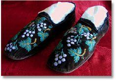 Men's 19th Century Antique Victorian Beaded Velvet House Shoes Slippers c. 1850's -70's