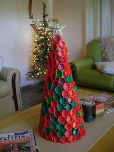 Book Christmas Tree, Diy Christmas Garland, Kids Christmas Ornaments, Unique Christmas Trees, Diy Garland, Diy Christmas Gifts, Christmas Projects, Simple Christmas, Christmas Themes