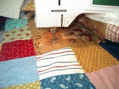 Machine Quilting Tutorial Tutorial - prepping a quilt for machine quilting and suggestions for stipple or puzzle quilting a small patchwork quilt with a regular sewing machine.