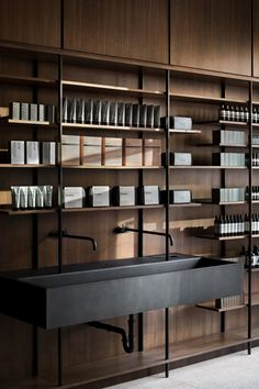hotel concept Aesop Lincoln Park, a project by Range Design amp; Deco Spa, Aesop Store, Casa Cook, Hotel Concept, Retail Interior, Retail Space, Shop Interiors, Display Design, Commercial Design