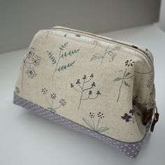artchala handmade: Cosmetic Frame Pouch