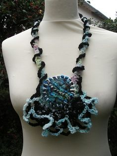 collier OCEAN by lescreasdenine, via Flickr