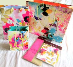 PAPYRUS Gift Bag Set of 5 Matching Pink & White Floral Tissue & Gift Card Holder #Papyrus #AnyOccasionForHer
