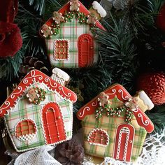 Plaid gingerbread houses with little gingerbread men embellishments by Teri Pringle Wood