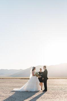 Las Vegas Desert Wedding, Dry Lake Bed Elopement | photo: Kristen Kay Photography | ceremony: Peachy Keen Unions