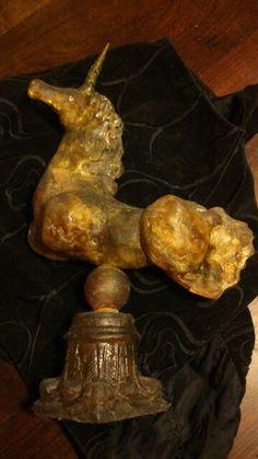 Unicornio de mi autoria :SANDY ENQUIN de resina con piedras molidas y patinas pertenece a mi coleccion en venta de unicornios,pegasos e hipocampos