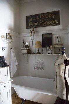 Bathroom Designs, Bathroom Ideas, Chic Bathrooms, Bath Ideas, Country Primitive, Clawfoot Bathtub, Country Chic, Bathroom Storage, Tubs