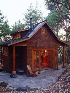 Cute cabin built on flat trailor to take out in the woods