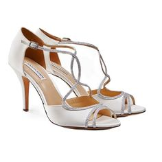 The pretty Masie closed back sandals feature silver glitter strapping.