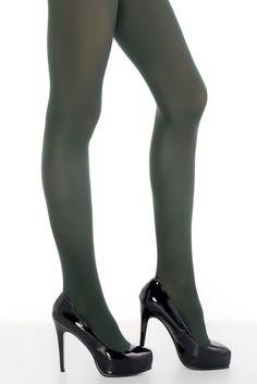 Punčochové kalhoty Penti Mikro 40 khaki zelená Podzim a zima nemusí být vždy jen šedé a nudné. Rozjasněte si své dny i svůj outfit. Skvělé punčocháče Mikro 40 s hustotou vláken 40DEN jsou ideální na denní nošení - v kanceláři se v nich nezpotíte a venku vám zima nebude. Materiál je pružný a odolný, matný povrch nebude rušit váš celkový outfit. Složení 92% nylon, 8% elastan.