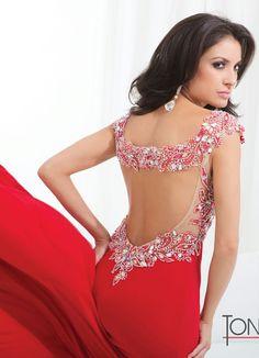 Esse vermelho é lindo , olha só o detalhe das costas !!