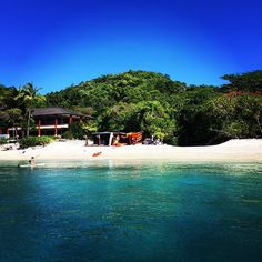 This is what our office looks like. Send us a quick pic of yours!www.fitzroy-island.com.au #fitzroyisland pablo5b #cairns